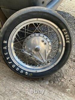 COMPLETE Kawasaki H2 750 triple Z900 Akront 18 alloy rear wheel with race tyre