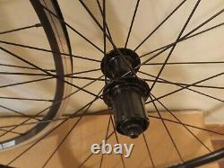 New Genuine Giant Sr-2 Wheels Complete With Rim Tape And Quick Release 700c