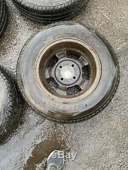 Reliant Scimitar Gte Jantes En Alliage 14 -tyres Sont Complètement Crevée. Trouver Grange
