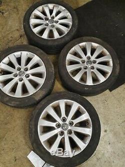 Vauxhall Astra J Complete Set Roue En Alliage